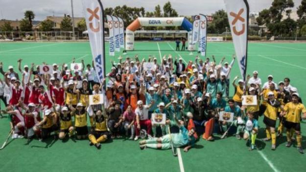 Imatge de tots els equips participants al torneig / Font: Federació Catalana d'Hoquei Herba