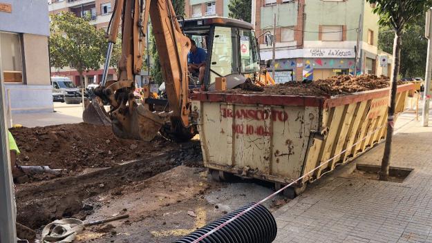Talls de trànsit fins divendres al carrer de Borrell per obres al clavegueram