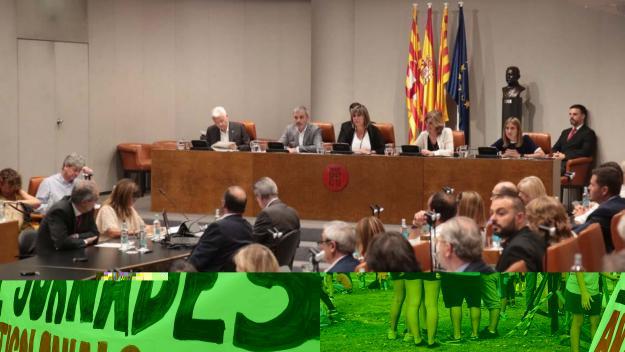 Imatge del ple amb Carmela Fortuny a l'esquerra de la presidenta Núria Marín / Foto: Òscar Ferrer / Diputació de Barcelona