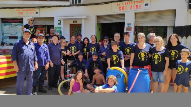 Sol i Aire s'acomiada de la Festa Major amb el dinar popular i una guerra d'aigua