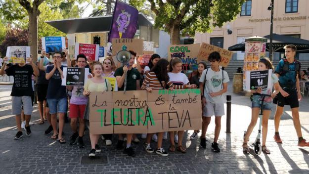 El col·lectiu durant una manifestació / Foto: Cugat Mèdia