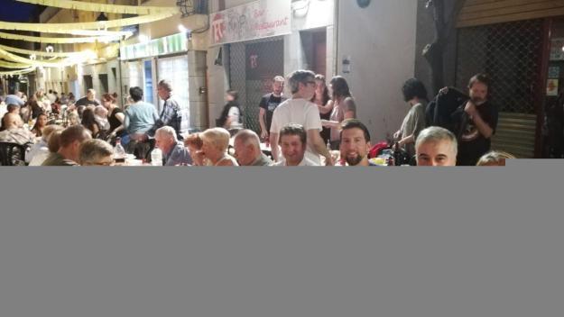 El sopar de veïns del carrer Xerric continua potenciant la germanor entre els assistents