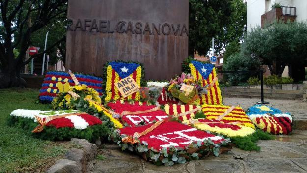 L'ofrena floral, a la plaça de Rafael de Casanova, enguany estarà restringida al públic / Foto: Cugat Mèdia