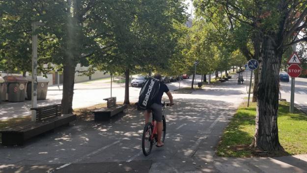 El carril bici del passeig de Francesc Macià / Foto: Cugat Mèdia