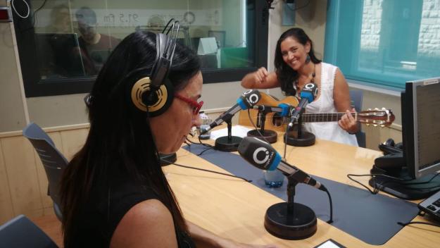 Núria Rossy explica la seva relació amb el cant a 'A taula no es canta'