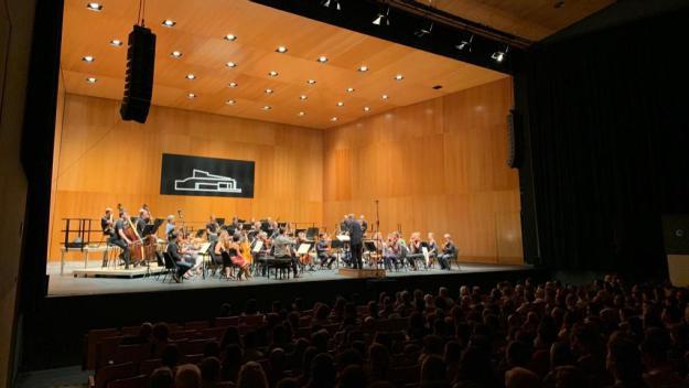 Savall ha aplegat desenes de persones al Teatre-Auditori Sant Cugat / Foto: Cugat Mèdia