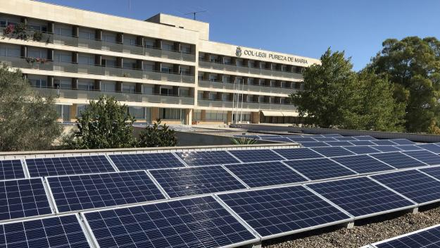 El Pureza de María instal·la 177 plaques solars per conscienciar i contaminar menys
