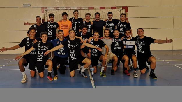 L'Handbol Sant Cugat B, campió del torneig de Valldoreix / Font: Handbol Valldoreix