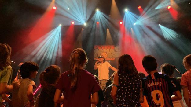 Els infants han gaudit del concert de Buhos / Foto: Cugat Mèdia