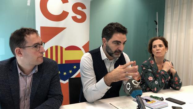 Cs ha presentat les mocions en roda de premsa / Foto: Cugat Mèdia