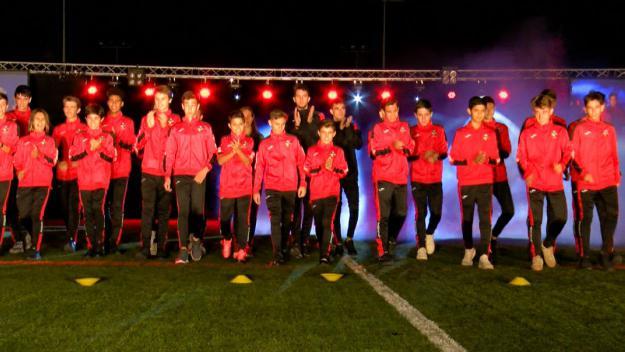 La presentació ha tingut els colors vermell-i-negres com a protagonistes / Foto: Cugat Mèdia