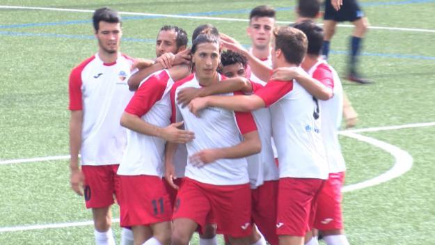 Els jugadors santcugatencs celebrant el gol de Jordi Ranera / Foto: Cugat Mèdia