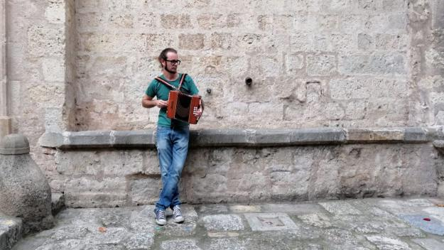 Gerard Díaz ofereix una proposta de música d'arrel / Foto: Cugat Mèdia