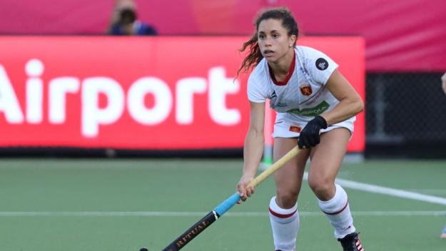 Gigi Oliva jugant amb la selecció espanyola / Font: RFEH