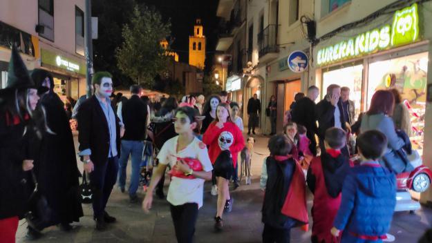 La nit de Halloween posseeix els carrers de Sant Cugat
