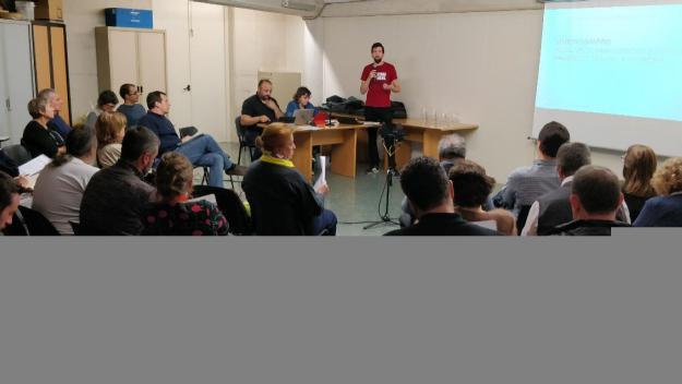 La sessió ha tingut lloc al Centre Social i Sanitari / Foto: Cugat Mèdia