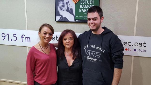 Paz Velasco amb l'equip del programa / Foto: Cugat Mèdia
