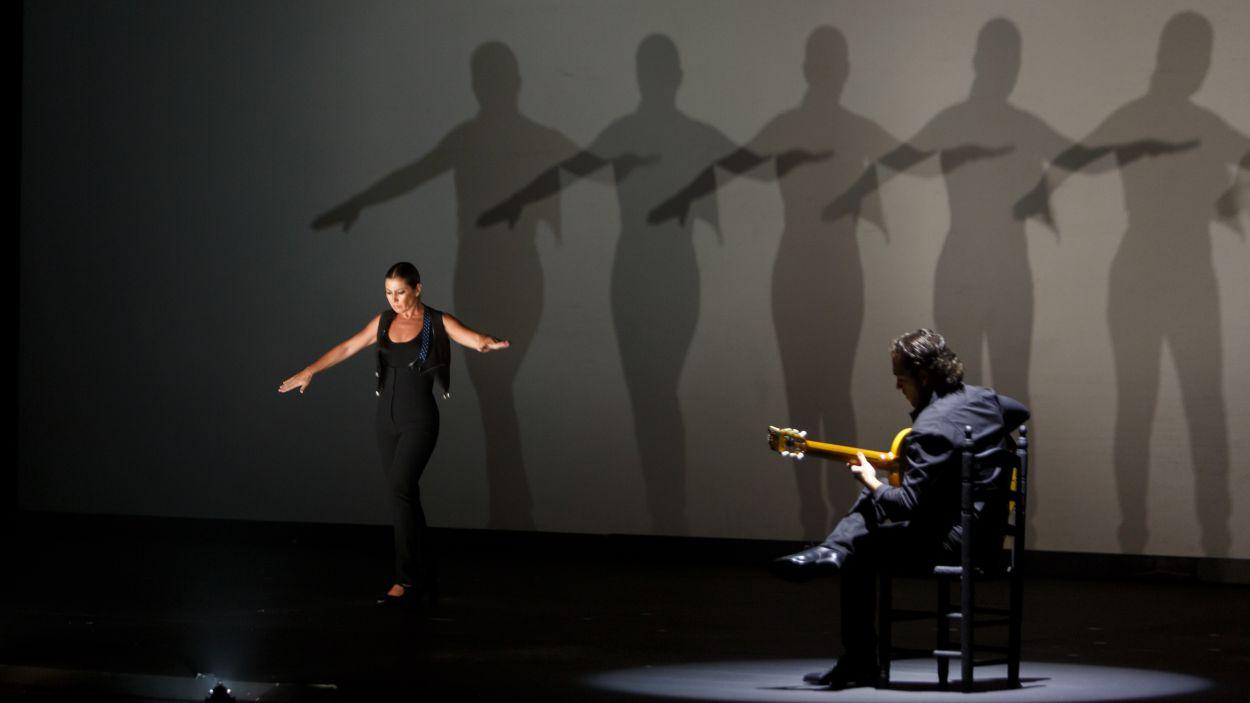 La bailaora Sara Baras taconeja avui al Teatre-Auditori amb 'Sombras'