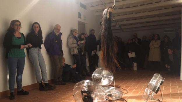 Western i tecnologia es donen la mà en la nova exposició al Centre Grau-Garriga d'Art Tèxtil Contemporani