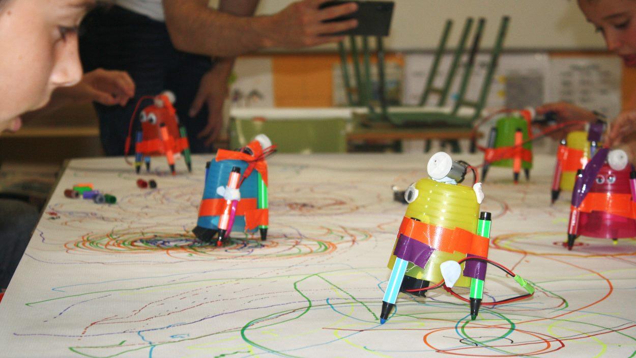 Diverdivendres: Taller Little-Bots (5 a 8 anys)