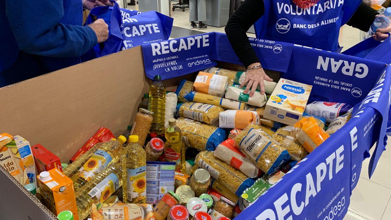 El Sant Cugat més solidari es bolca amb el Gran Recapte d'Aliments