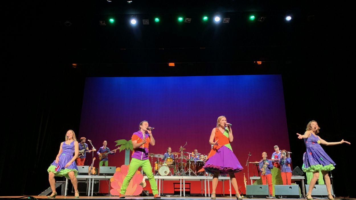 Concert: El Pot Petit al teatre amb el Mag Lari
