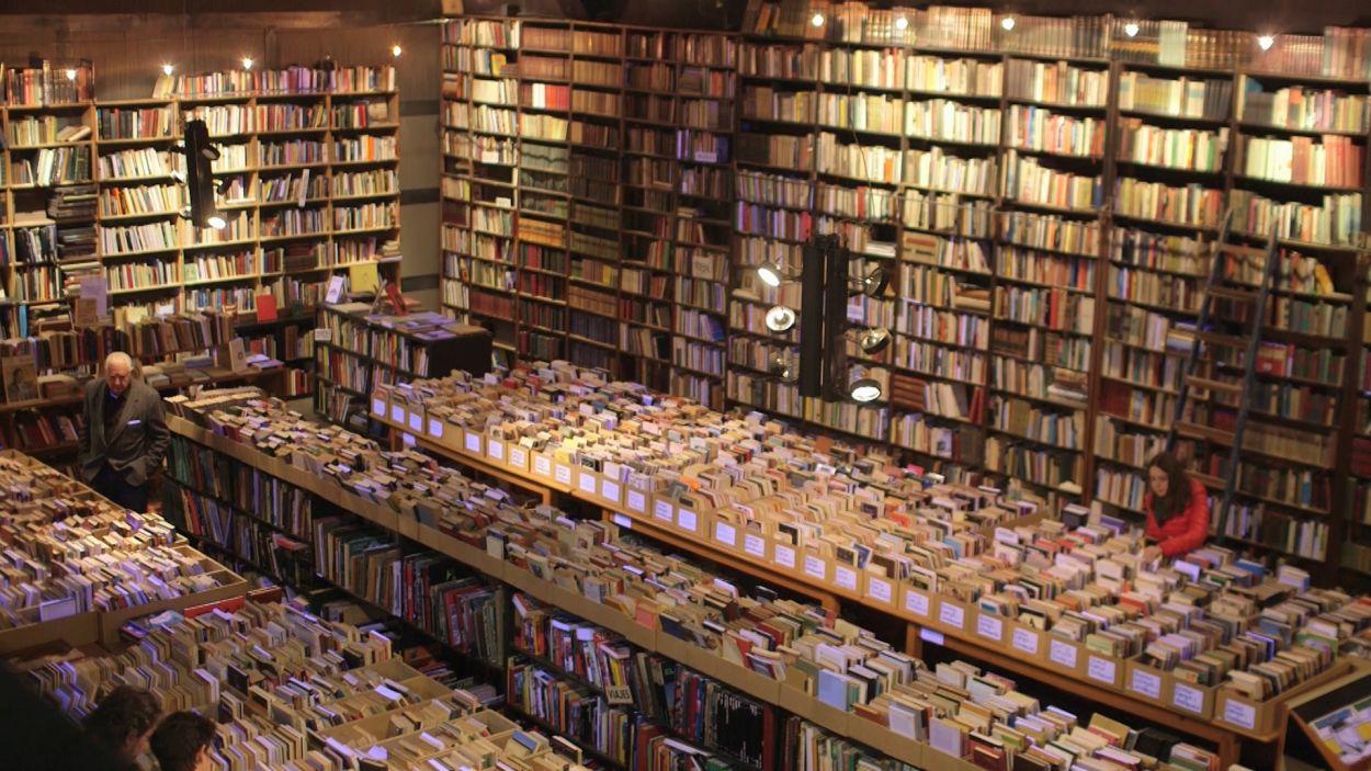 El Siglo, al Mercantic de Sant Cugat, compta amb un fons de més de 150.000 llibres de segona mà