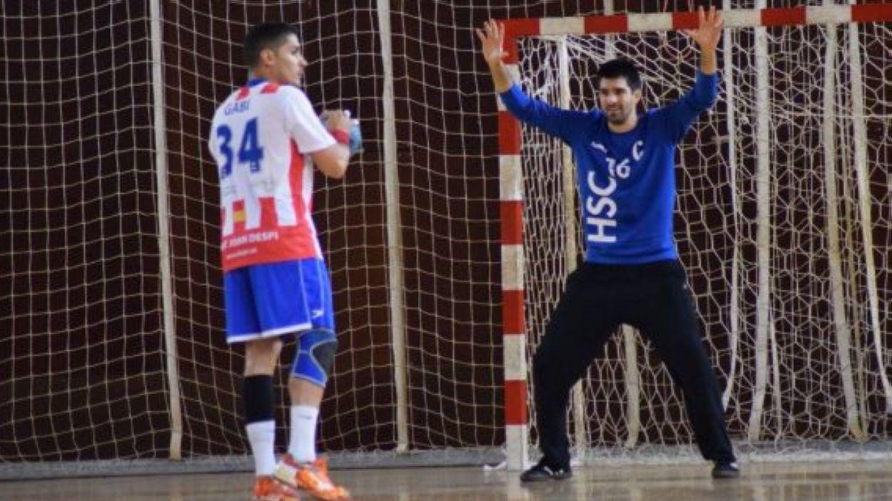Eloi Gutiérrez defensant la porteria de l'Handbol Sant Cugat / Font: Handbol Sant Cugat