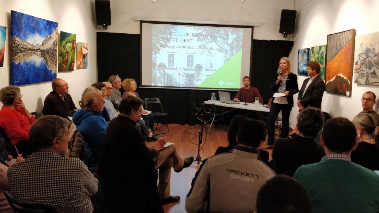 Imatge d'un Consell de Barri presencial / Font: Cugat Mèdia