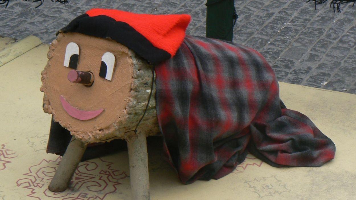 Fer cagar el tió és una de les tradicionals més arrelades al país / Foto: CC by Slastic