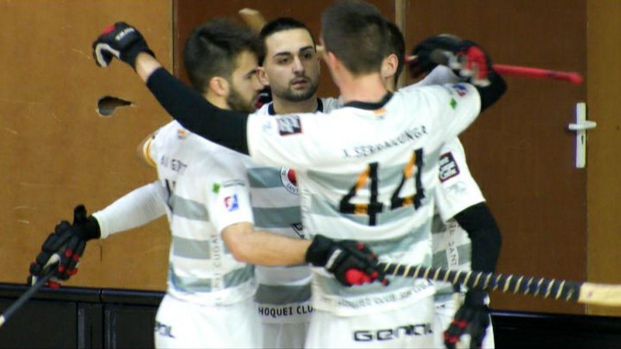 Els santcugatencs celebrant un dels quatre gols de David Yepes / Foto: Cugat Mèdia