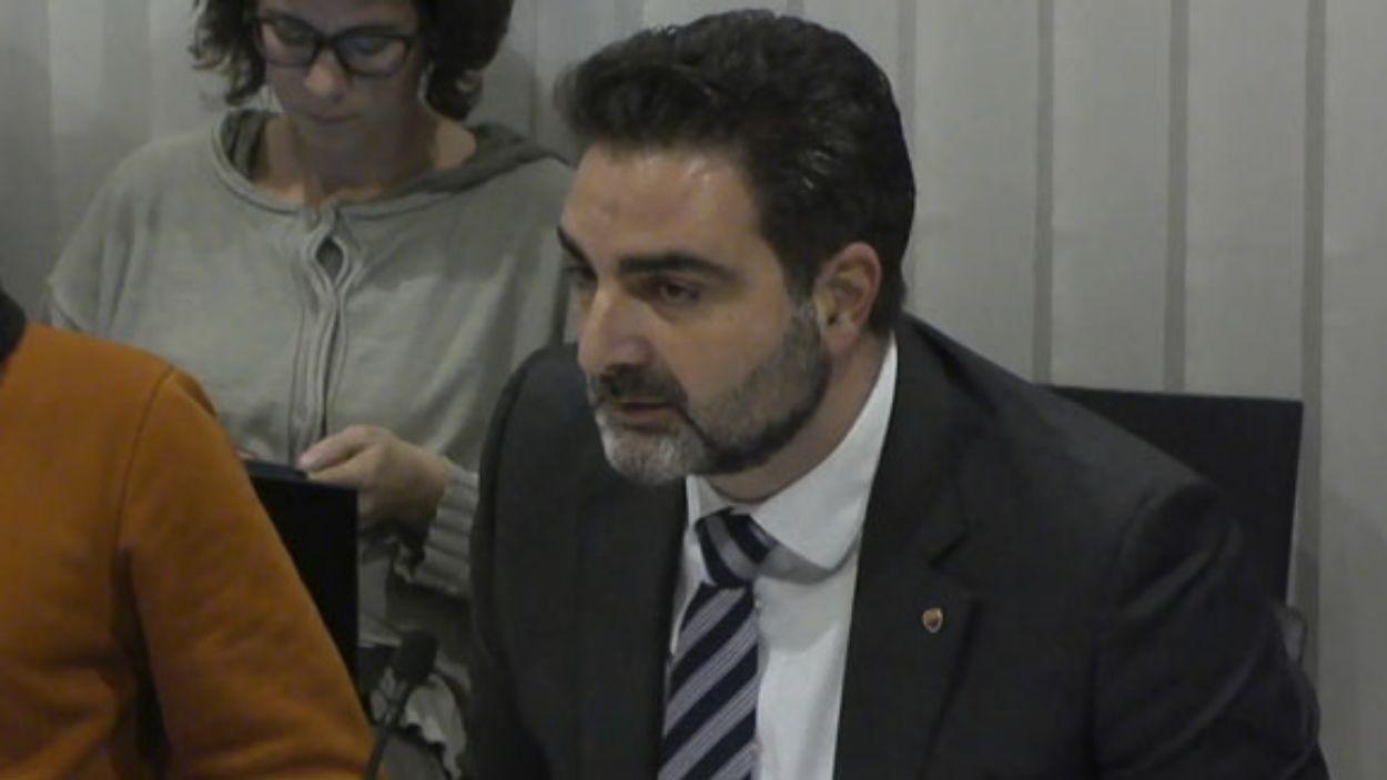 El portaveu de Cs, Aldo Ciprian, durant el ple municipal / Foto: Cugat Mèdia