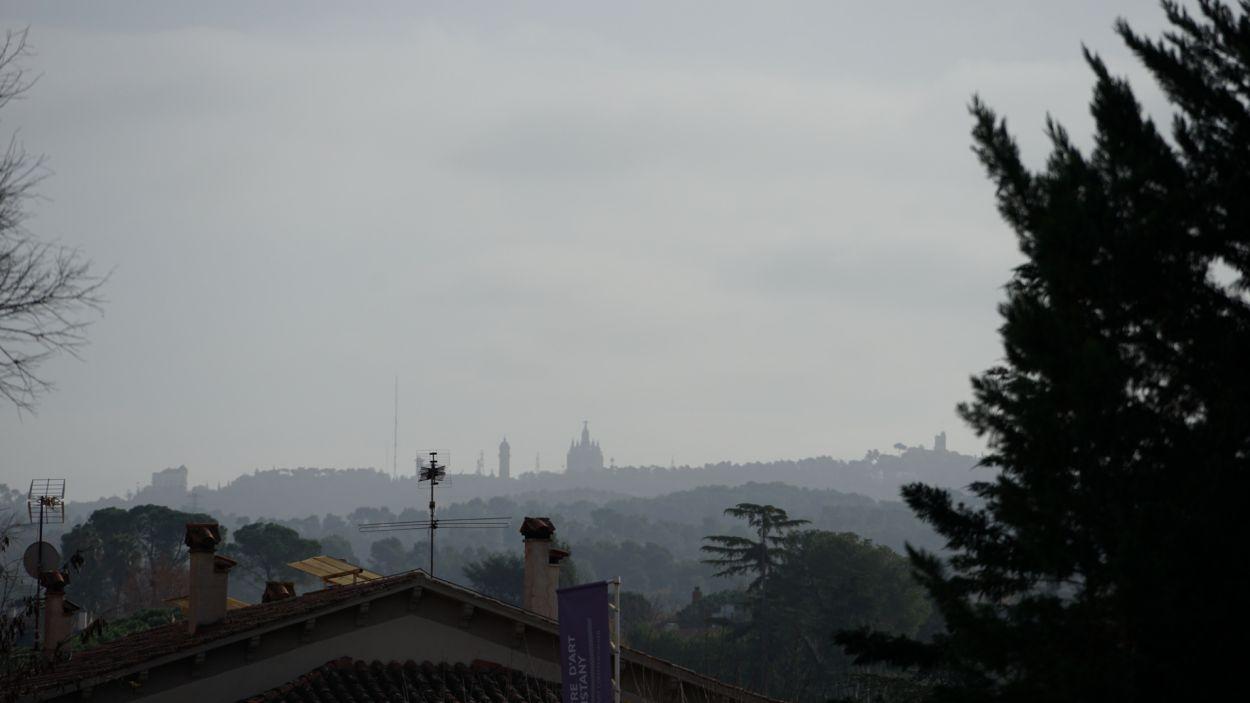El núvol de pols és apreciable a simple vista / Foto: Guillem Babitsch (Cugat Mèdia)