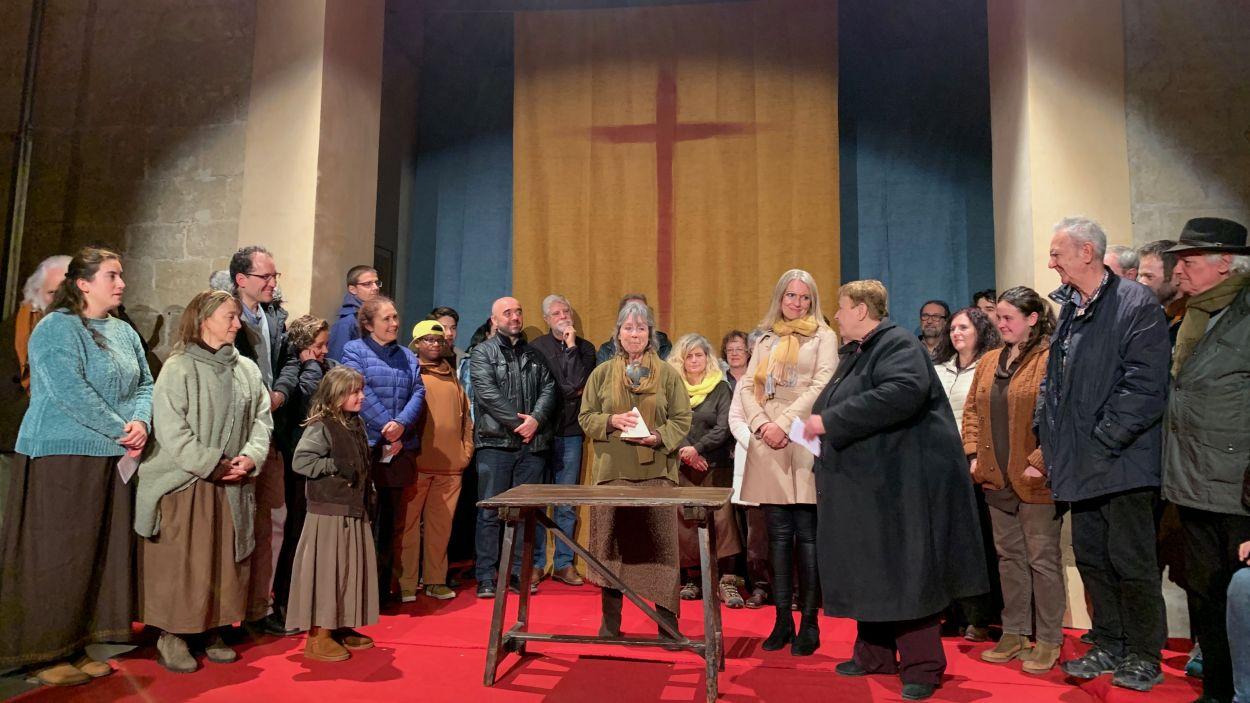 Encarna Adelantado ha rebut el reconeixement al final de la representació / Foto: Cugat Mèdia