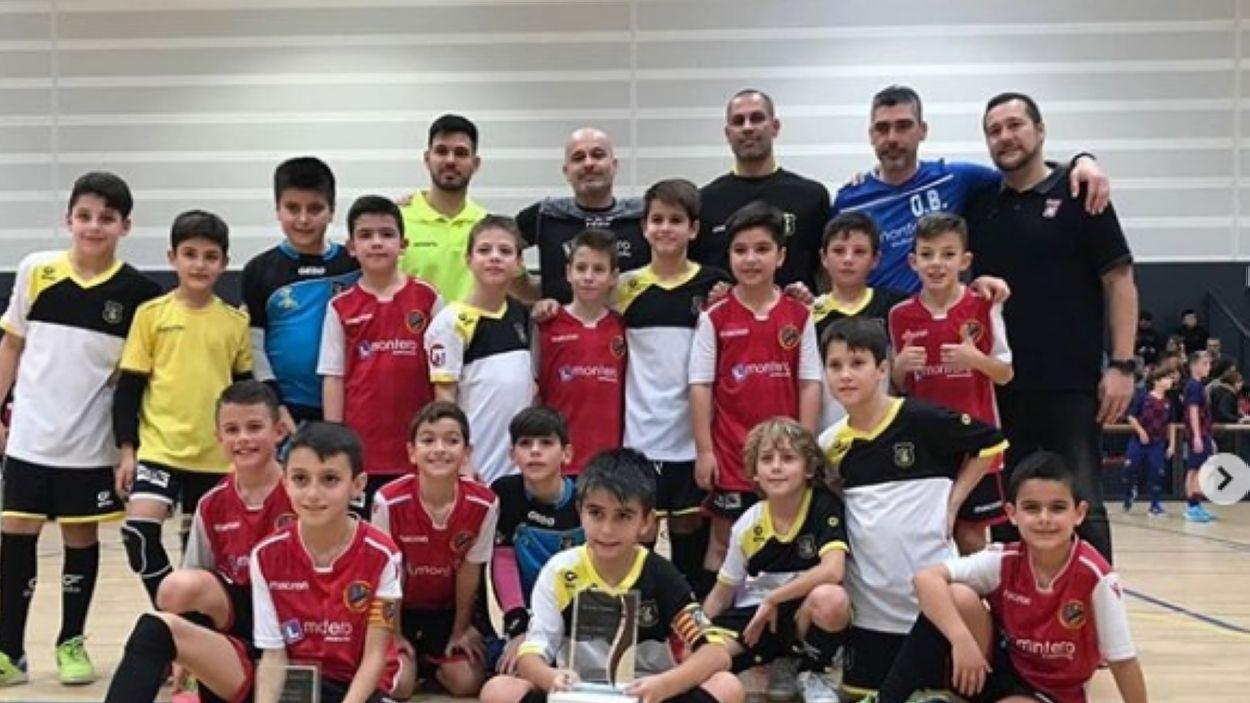 El benjamí del Ripollet, campió del torneig solidari del Futbol Sala Sant Cugat / Font: FS Sant Cugat