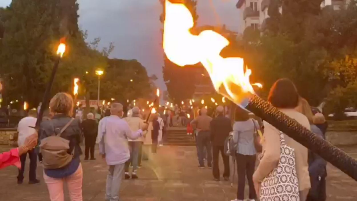 La concentració ha tingut lloc a la plaça de Rafael Casanova / Foto: Òmnium Sant Cugat