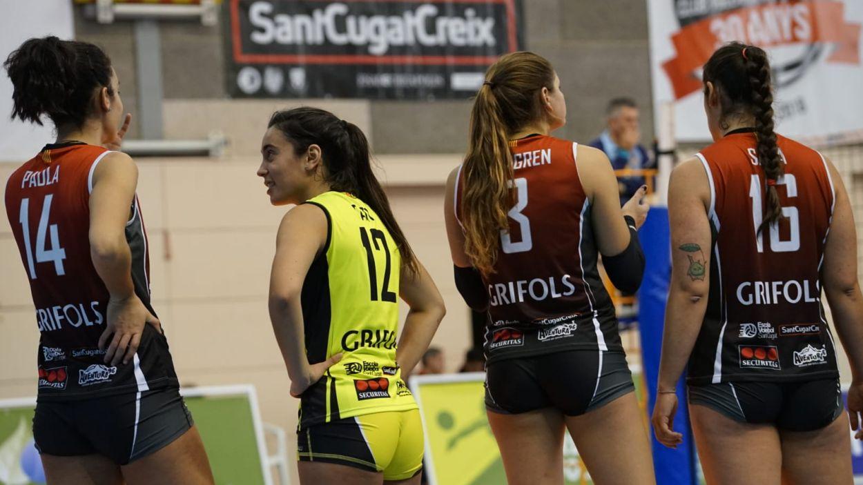 Les jugadores del Volei Sant Cugat durant el partit / Foto: Cugat Mèdia