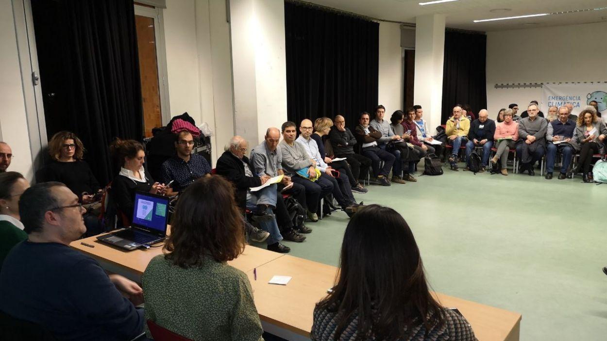 Imatge d'arxiu d'una sessió presencial de la Taula d'Emergència Climàtica de Sant Cugat / Foto: Ajuntament