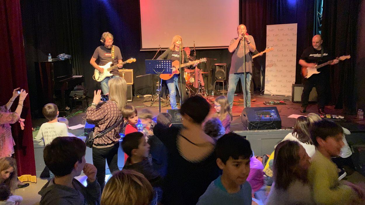 Els Incombustibles durant el concert benèfic / Foto: Cugat Mèdia