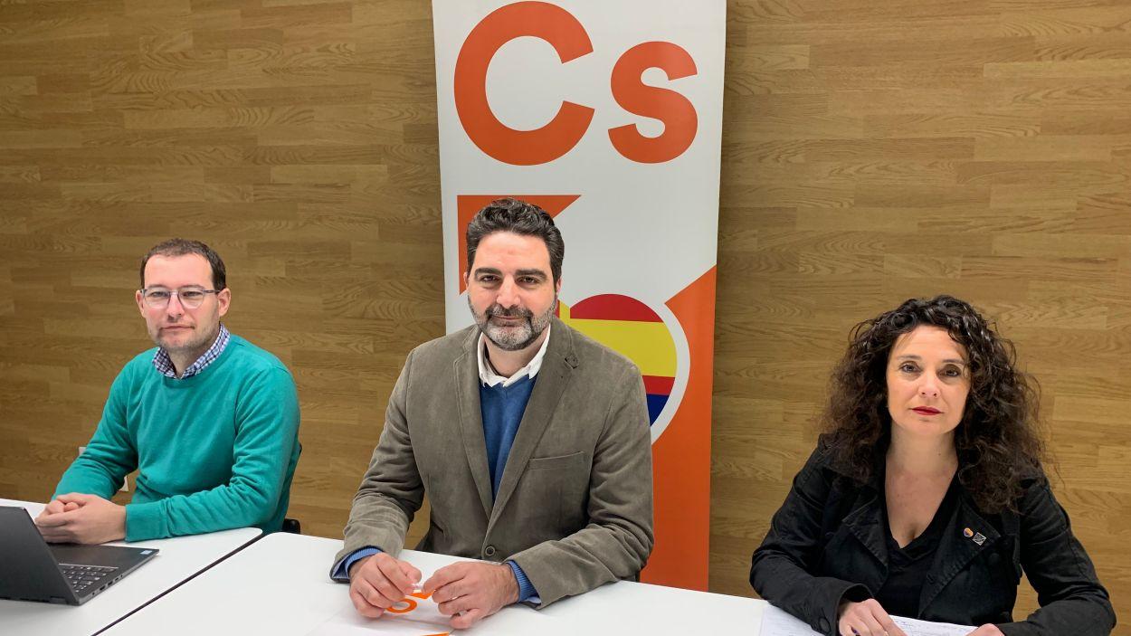 Sergio Blázquez, Aldo Ciprián i Anna Cano a la roda de premsa / Foto: Cugat Mèdia