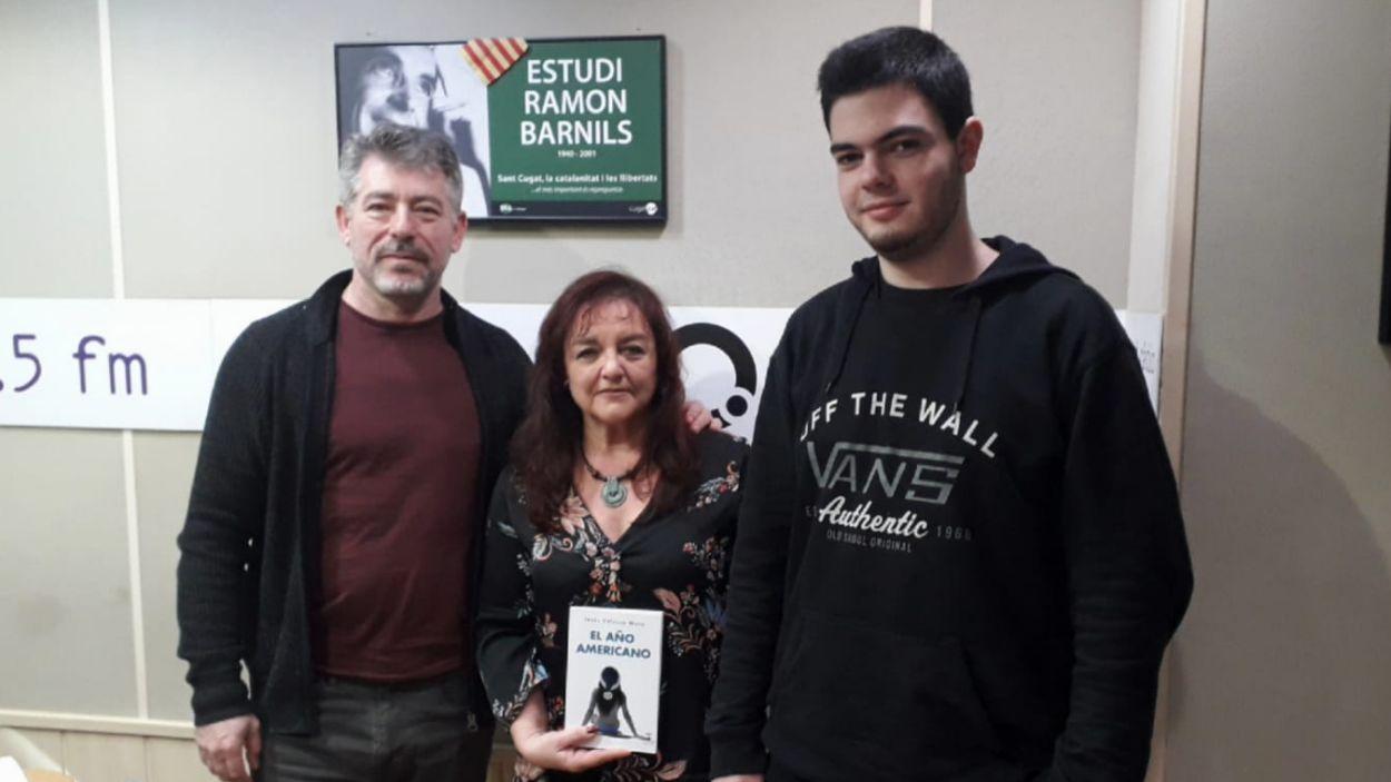 Jesús Velasco, a l'esquerra, amb l'equip del programa / Foto: Cugat Mèdia