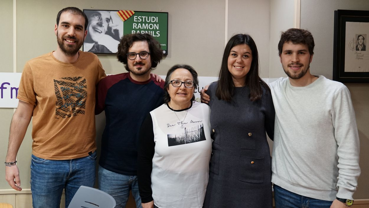 De dreta a esquerra, Sergi Alemany, Alba Triadó, Carme Reverte, Sergio Morales i Albert Prat / Foto: Guillem Babitsch (Cugat Mèdia)