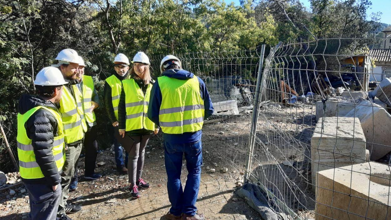 L'alcaldessa, el tinent d'alcaldia de Desenvolupament Urbà i el regidor de Barris han visitat les obres / Foto: Ajuntament
