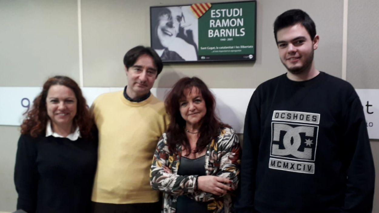 Noelia Riaño i Jacinto Vicente, a l'esquerra, amb l'equip del programa / Foto: Cugat Mèdia