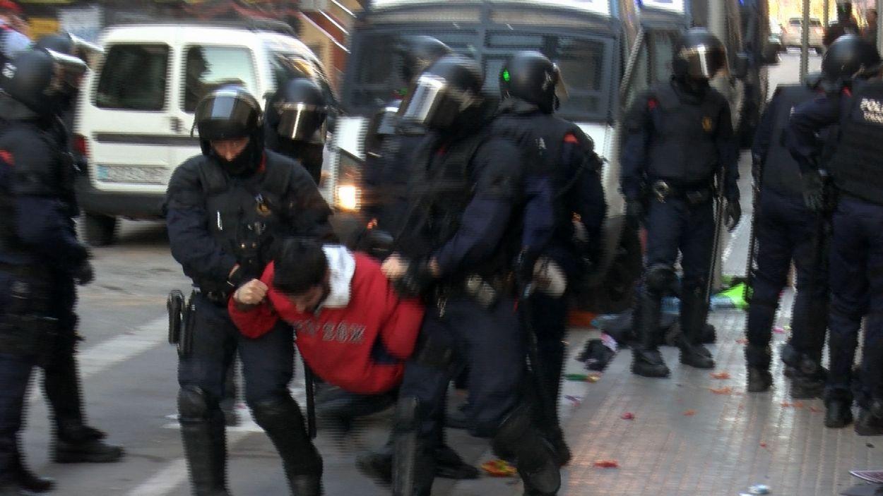 Els Mossos d'Esquadra han desallotjat un pis okupat a Sant Cugat / Foto: Cugat Mèdia