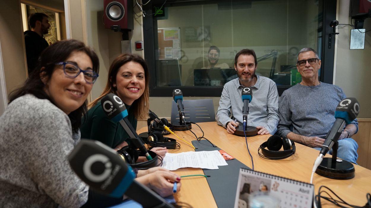 L'espai per la llengua catalana a la ràdio és un cop al mes de les 11.00 a les 11.30 / Foto: Guillem Babitsch (Cugat Mèdia)