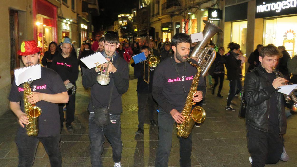 La BandaZmol ha omplert de ritme el centre de Sant Cugat / Foto: Cugat Mèdia