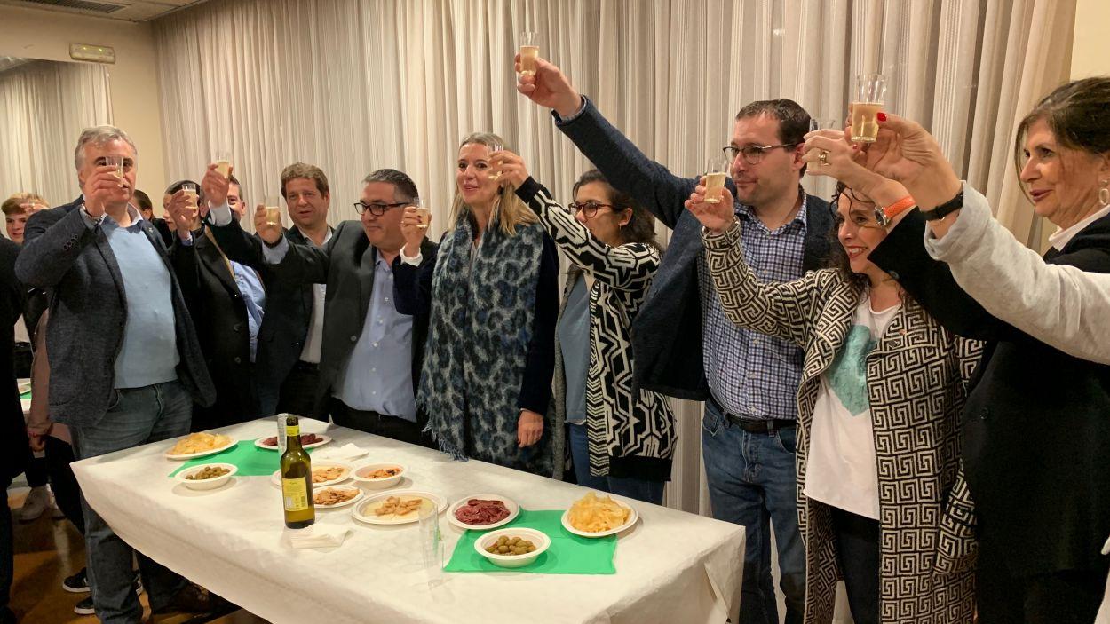 Brindis amb vi d'honor al CPA / Foto: Cugat Mèdia
