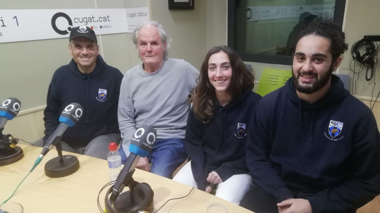 Representants del Rugby Sant Cugat a l'estudi Ramon Barnils / Font: Cugat Mèdia