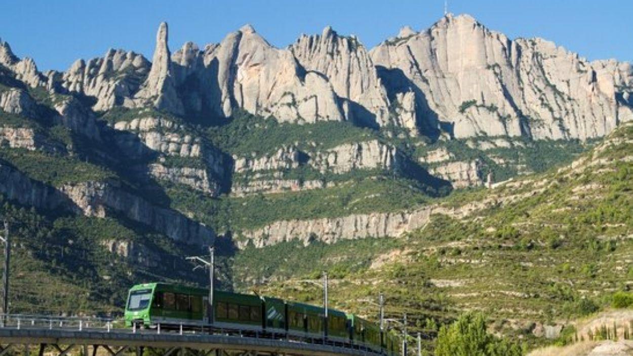 La caminada connecta Sant Cugat amb el monestir de Montserrat / Foto: ACN